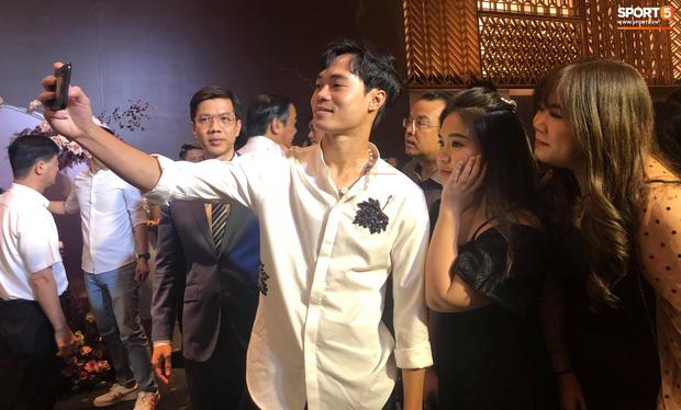 Đám cưới Công Phượng - Viên Minh: HLV Park Hang-seo rạng rỡ ở đám cưới của học trò - Ảnh 12.