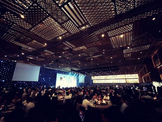 Đám cưới Công Phượng - Viên Minh: HLV Park Hang-seo rạng rỡ ở đám cưới của học trò - Ảnh 10.