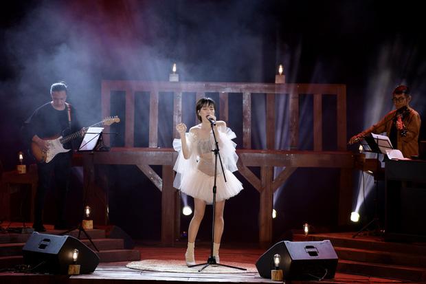 Nguyên Hà thích hát tại WOW Sunset Show vì kiểu gì cũng có hình đẹp, Lê Hiếu bật mí ca khúc bắt trúng tâm trạng khi yêu - Ảnh 14.