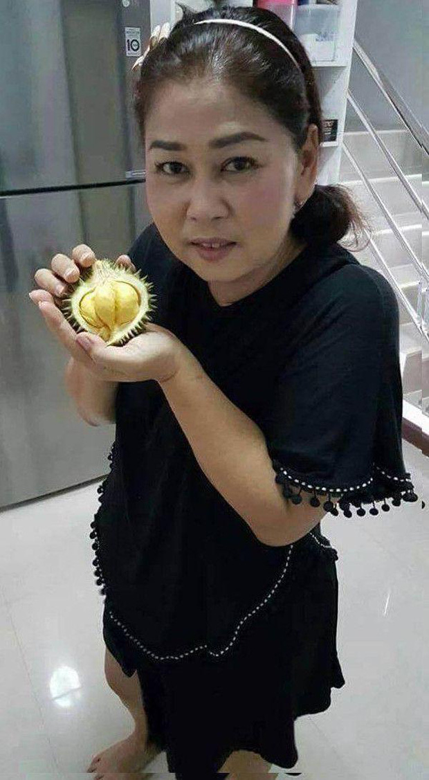 Đi siêu thị mua trúng trái sầu riêng to bằng lòng bàn tay, khổ chủ tưởng mình bị lừa ai ngờ bổ ra bên trong bất ngờ muốn xỉu - Ảnh 5.
