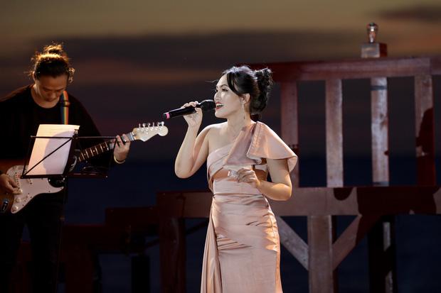 Nguyên Hà thích hát tại WOW Sunset Show vì kiểu gì cũng có hình đẹp, Lê Hiếu bật mí ca khúc bắt trúng tâm trạng khi yêu - Ảnh 8.
