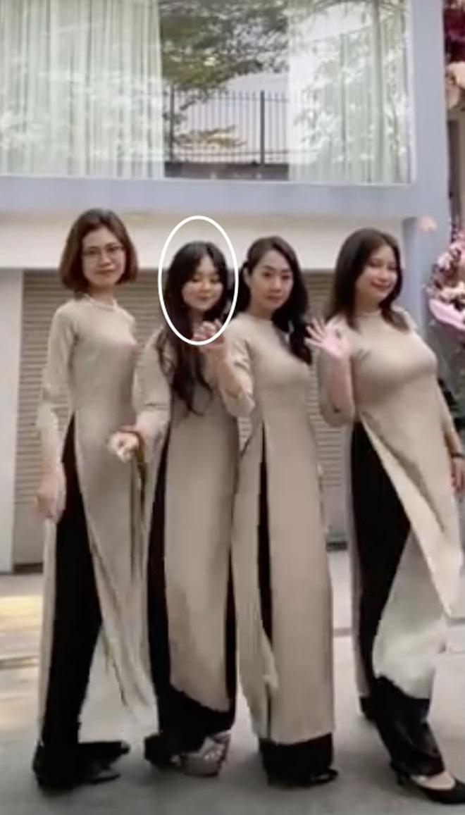 Hoá ra gái xinh trong team bê tráp cho Công Phượng - Viên Minh là hot girl FAPtv - Ảnh 2.