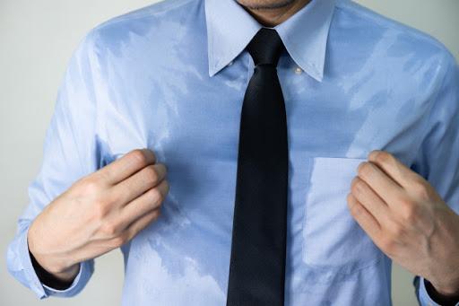 Đổ mồ hôi nhiều bất thường có thể là dấu hiệu của hàng loạt bệnh: Khi nào cần gặp bác sĩ? - Ảnh 2.