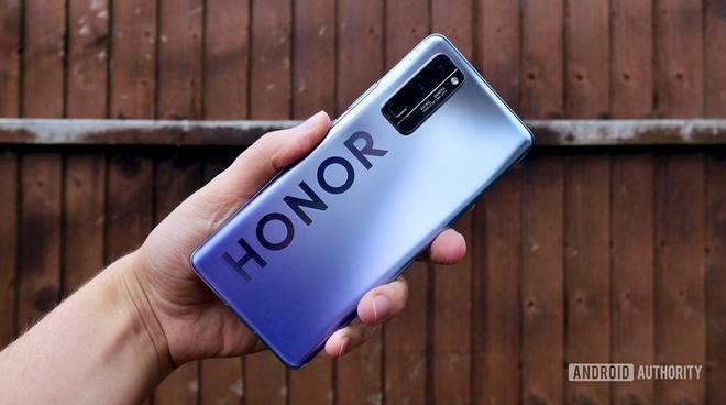 Huawei tuyên bố bán thương hiệu điện thoại bình dân Honor - Ảnh 1.