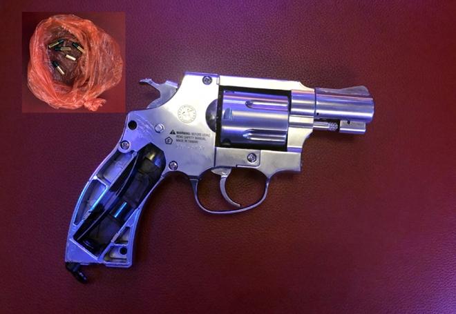 Mua súng trên mạng mang ra bắn người để giải quyết mâu thuẫn - Ảnh 2.