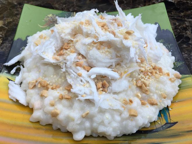 """Dân mạng bồi hồi nhớ về chiếc muỗng """"huyền thoại"""" của làng ẩm thực Việt, trông cực lạ lẫm nhưng cứ ăn món này là không thể thiếu - ảnh 1"""