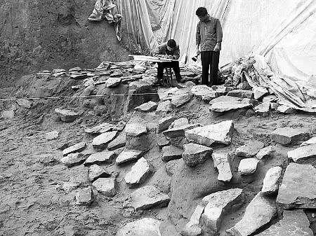 Ngôi mộ thời Chiến Quốc bị xâm phạm tới 12 lần nhưng vẫn toàn vẹn: Chủ mộ quá cao tay! - Ảnh 3.