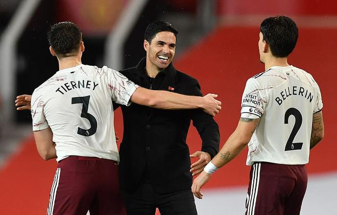 Pogba sắm vai tội đồ, Man United thất thủ đau đớn trên sân nhà trước Arsenal - Ảnh 6.