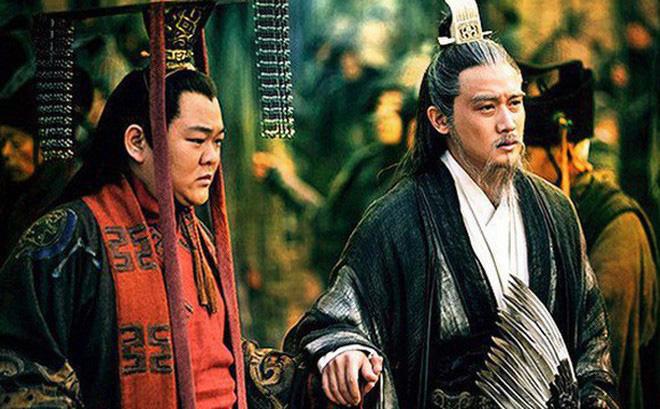 Nổi tiếng khôn ngoan mưu lược lại có nhiều con trai, hà cớ gì Lưu Bị lại truyền ngôi cho người bị cho là vô dụng như Lưu Thiện? - Ảnh 2.