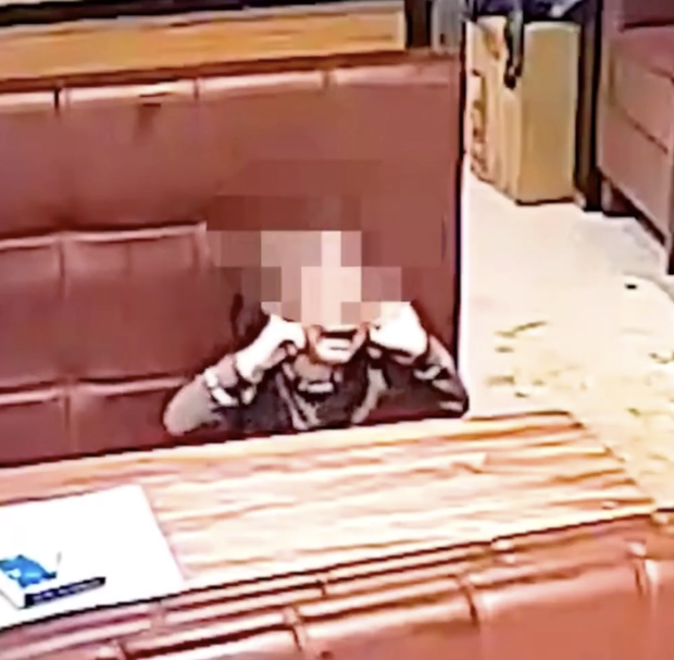 Người đàn ông bất ngờ hất thẳng nồi lẩu sôi vào mặt nữ thực khách gây ẩu đả lớn tại nhà hàng chỉ vì lý do nhỏ nhặt - Ảnh 5.