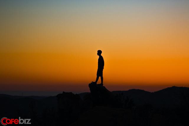 Cách sống của một người bản lĩnh: Không giải thích, không nịnh bợ, không bám lấy - Ảnh 4.
