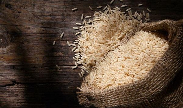 Chỉ với 4 mẹo này, bạn có thể bảo quản gạo dùng quanh năm không lo mối mọt, ẩm mốc - Ảnh 1.