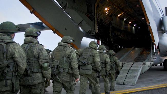 Nghi vấn về vụ Mi-24 bị bắn hạ ẩn sau sự hiện diện thần tốc của 2.000 lính Nga tại Karabakh - Ảnh 1.