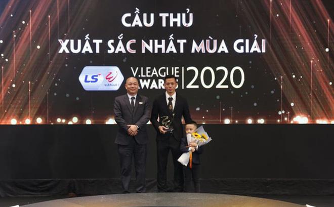 Bầu Đức vời Kiatisak về nắm HAGL, là bởi tấm gương của ngôi sao được cả V.League tôn vinh - Ảnh 2.