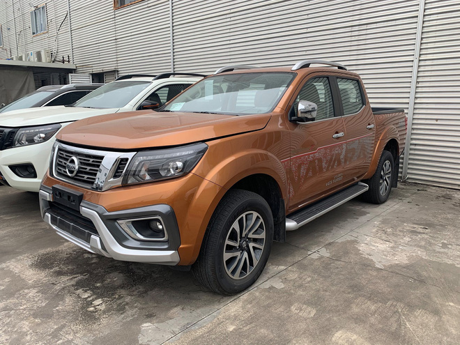 Vừa về tay nhà phân phối mới, Nissan Navara giảm giá niêm yết gần 40 triệu đồng - Ảnh 2.