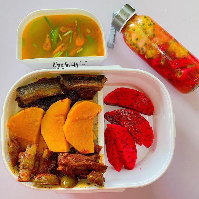 Cô giáo mầm non chăm mang cơm đi làm dù trường có canteen, tiết lộ mỗi hộp đều vô giá vì lý do đặc biệt - Ảnh 2.