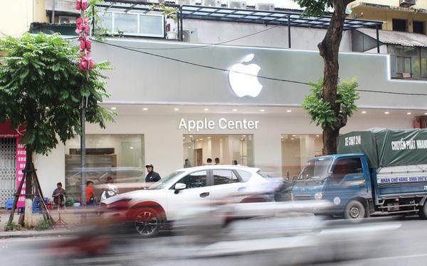 Chưa kịp khai trương, cửa hàng Apple Center đã buộc phải gỡ logo 'táo khuyết' - Ảnh 1.