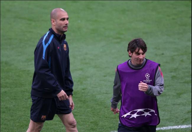 HLV Guardiola khiến CĐV Man City sôi tiết khi nói về Messi - Ảnh 1.