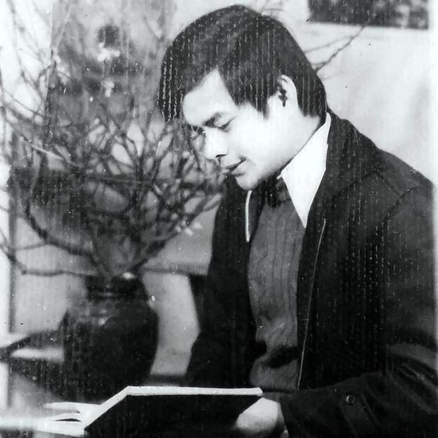 Bức ảnh nam thần bên chiếc máy bàn cũ từ nhiều năm trước và danh tính gây choáng - Ảnh 4.