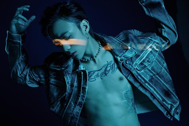 Soobin phanh áo khoe hình xăm trong MV mới - Ảnh 5.