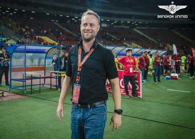 Sau thương vụ HLV tiền tỷ, Chủ tịch Hữu Thắng lại có động thái gây sốt bóng đá Thái Lan - Ảnh 1.