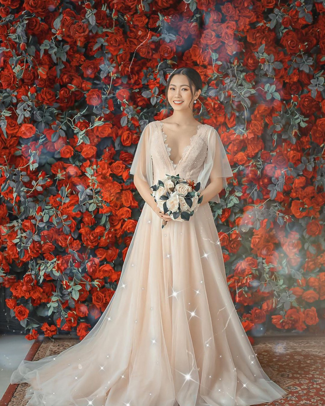Hội gái xinh bỏ cuộc chơi từ năm 18, 19 tuổi: Người mặc váy cưới 28 tỷ, người được trao 200 cây vàng làm của hồi môn - Ảnh 6.