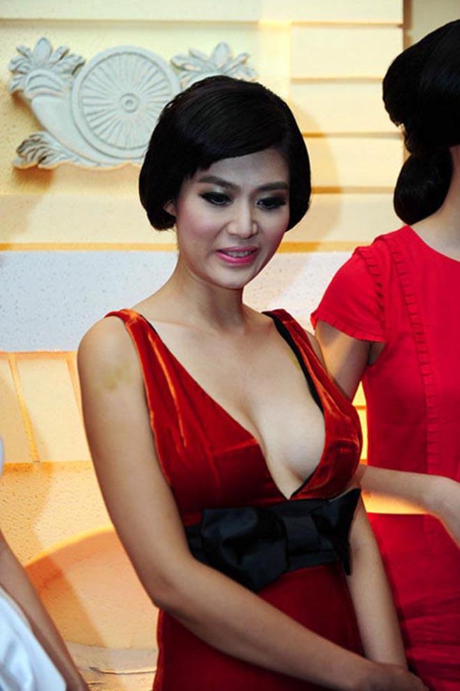Sắc vóc tuổi 44 của cựu Hoa hậu Việt Nam có vòng eo hấp dẫn nhất - Ảnh 3.
