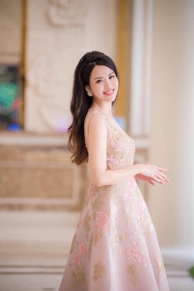 Sắc vóc tuổi 44 của cựu Hoa hậu Việt Nam có vòng eo hấp dẫn nhất - Ảnh 4.