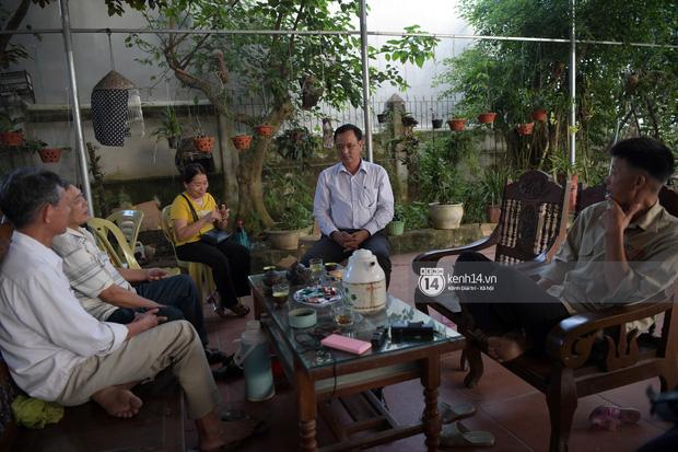 Độc quyền phỏng vấn bố mẹ Đỗ Thị Hà: Hé lộ lý do bật khóc ở đêm Chung kết, làm rõ loạt ồn ào và tình trạng yêu đương của tân Hoa hậu - Ảnh 14.