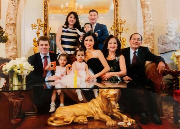 Choáng ngợp trước khối tài sản khủng của ba Hoa hậu giàu nhất Việt Nam - ảnh 16