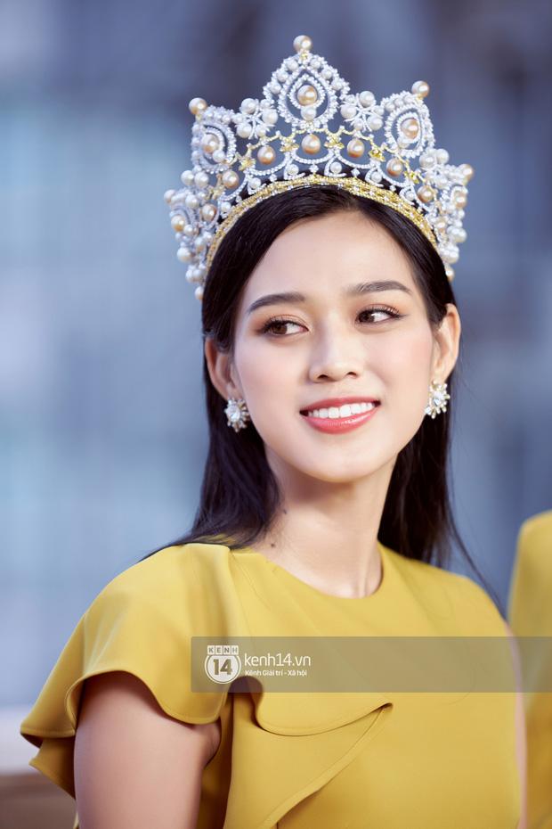Độc quyền: Cận cảnh phòng riêng và loạt bằng khen của Hoa hậu Việt Nam Đỗ Thị Hà trong cơ ngơi rộng hàng trăm m2 ở Thanh Hoá - Ảnh 25.