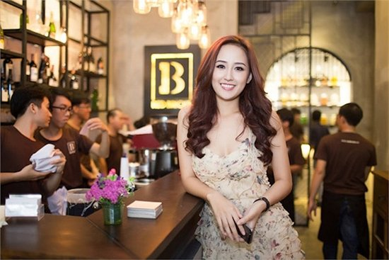 Choáng ngợp trước khối tài sản khủng của ba Hoa hậu giàu nhất Việt Nam - ảnh 26