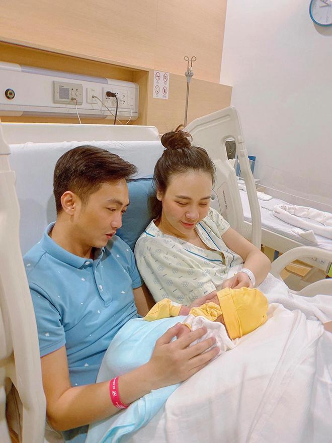 Sắc vóc của Đàm Thu Trang sau hơn 3 tháng sinh con cho Cường Đô la - Ảnh 1.
