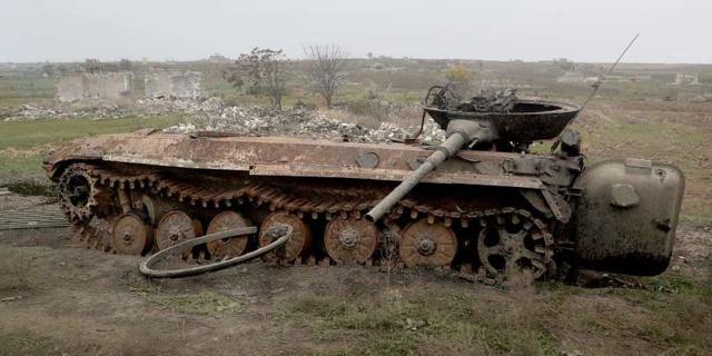 Chiến sự khốc liệt tại Nagorno-Karabakh đánh dấu ngày tàn của sức mạnh tăng thiết giáp? - Ảnh 1.