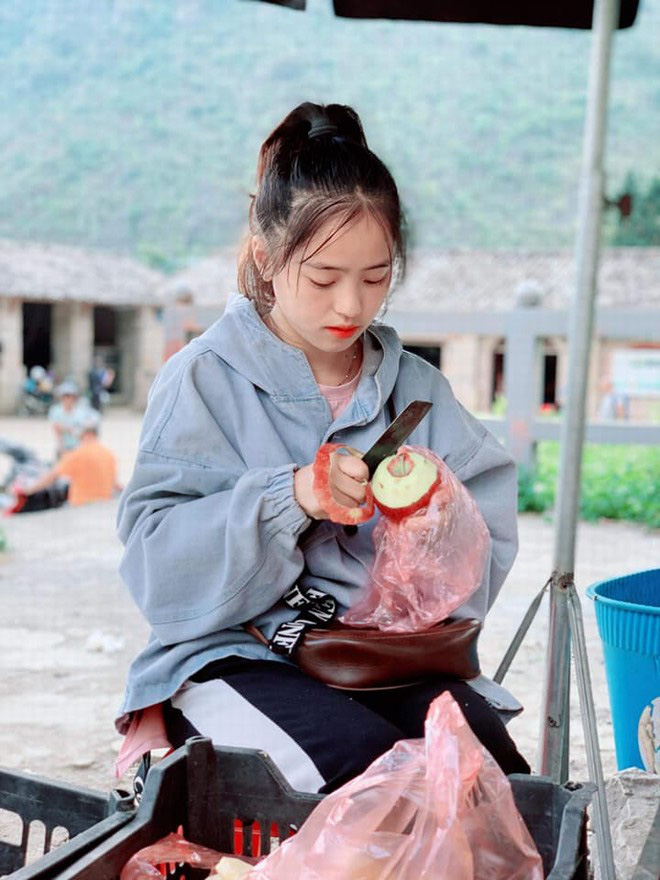 Nữ sinh bán lê: Đổi đời sau tấm hình chụp trộm, nhan sắc hiện tại thay đổi nhanh chóng mặt - Ảnh 5.