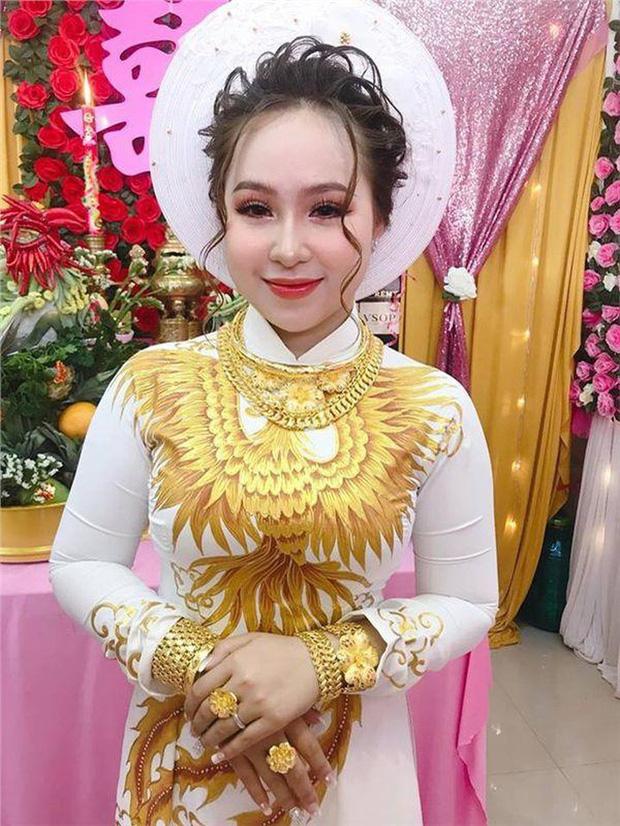 Cô dâu đeo vàng mỏi cổ và cầm tiền trĩu tay trong đám cưới, dân mạng được phen trầm trồ: Nhìn thôi cũng muốn cưới liền! - Ảnh 8.