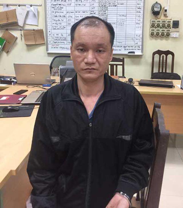 Chồng truy sát vợ và chị vợ trên đường phố Hà Nội vì mâu thuẫn nuôi con - Ảnh 2.