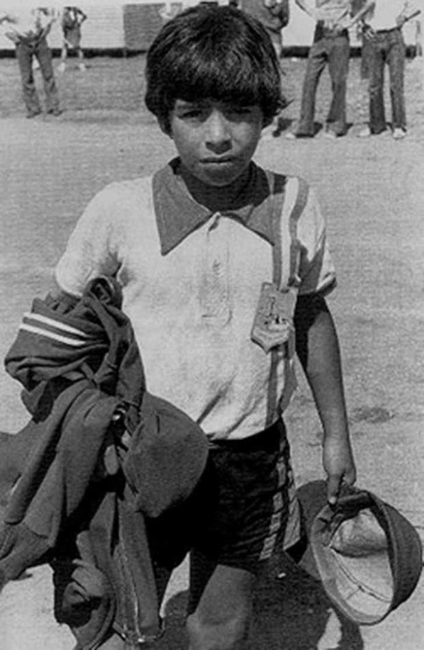Diego Maradona và lời tiên tri định mệnh về một huyền thoại vĩ đại - Ảnh 1.