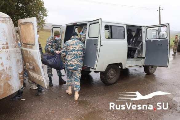 Báo Nga: Hàng nghìn thi thể nằm rải rác ở Shusha - Cuộc thảm sát khủng khiếp ở Karabakh - Ảnh 5.