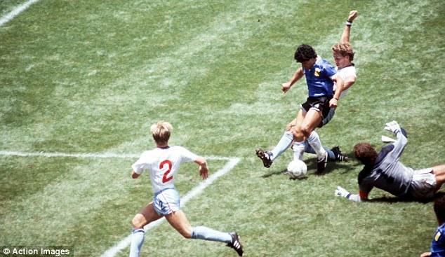 2 bàn thắng rung chuyển thế giới đưa tên tuổi Maradona trở thành bất tử - Ảnh 3.
