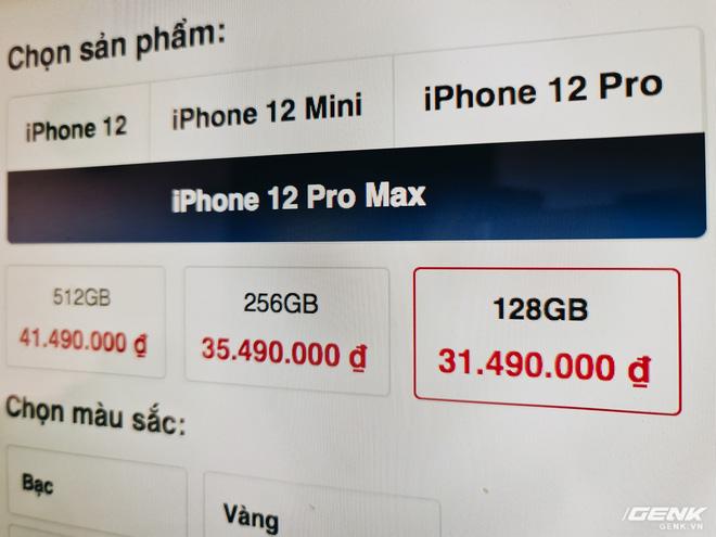 Bỏ tiền mua suất cọc của người khác để được mua iPhone 12 sớm - Ảnh 1.