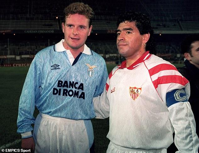 Chiến hữu lừng danh kể lại phi vụ kỳ quặc vừa say vừa đá bóng cùng Maradona - Ảnh 1.
