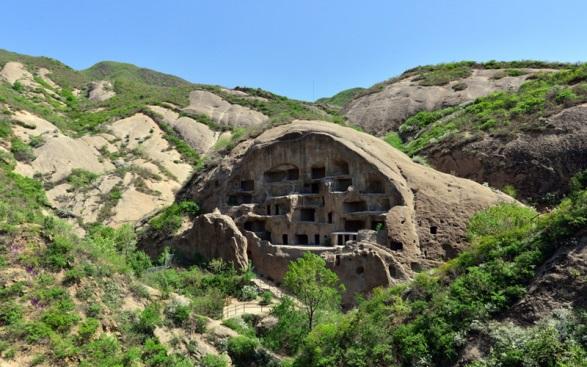 Mật mã khảo cổ: Đại mê cung tạc trên vách đá dựng đứng từ thời Tam Quốc thuộc về ai? - Ảnh 1.