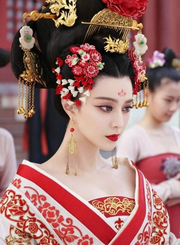 Sao nữ từ làm nền hoá bà hoàng: 'A hoàn' Dương Mịch và Phạm Băng Băng đổi đời, nữ phụ Vườn Sao Băng cưới ông hoàng giải trí - ảnh 14