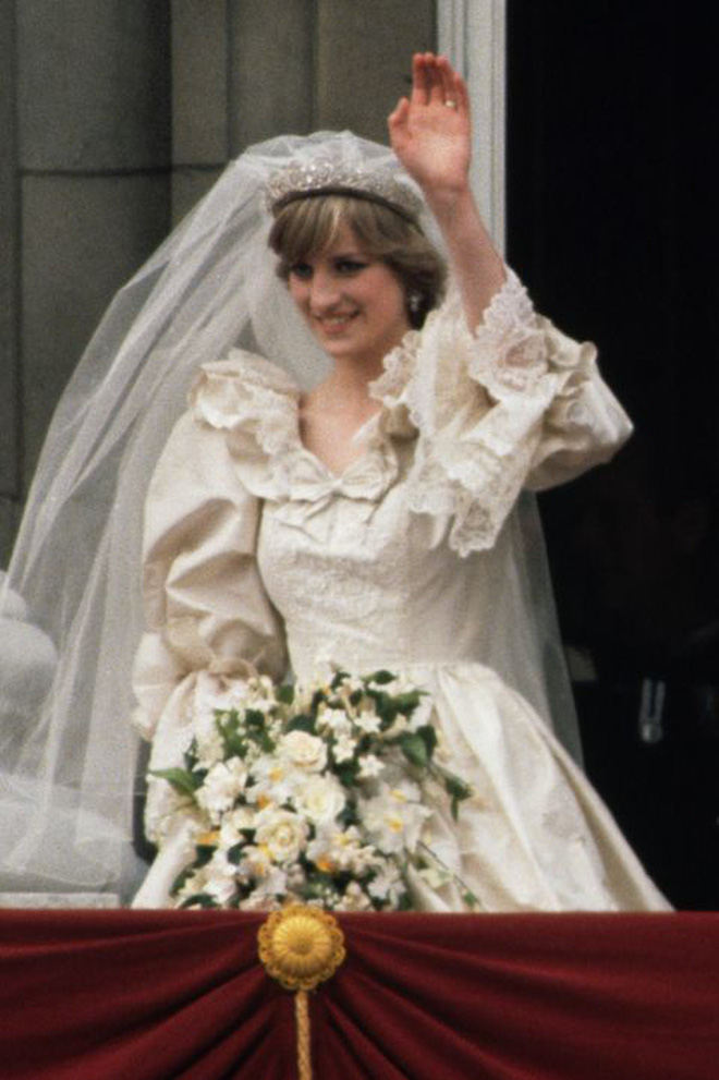 Được công nhận là nữ nhân Hoàng gia xinh đẹp nhất thế giới, chẳng ai biết Công nương Diana lại cực kỳ tự ti về tận 5 điểm trên cơ thể mình - Ảnh 7.