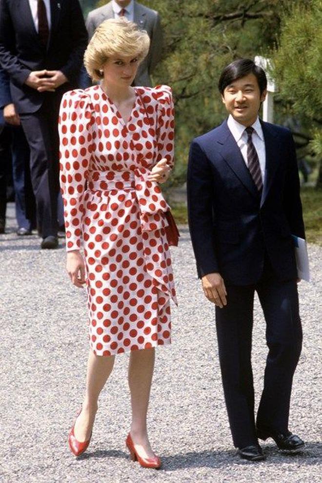 Được công nhận là nữ nhân Hoàng gia xinh đẹp nhất thế giới, chẳng ai biết Công nương Diana lại cực kỳ tự ti về tận 5 điểm trên cơ thể mình - Ảnh 9.
