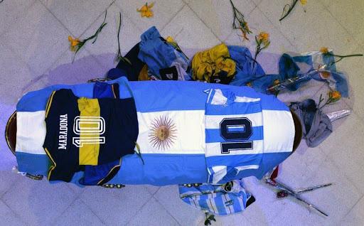 Nữ y tá thừa nhận khai báo sai quanh cái chết của Maradona