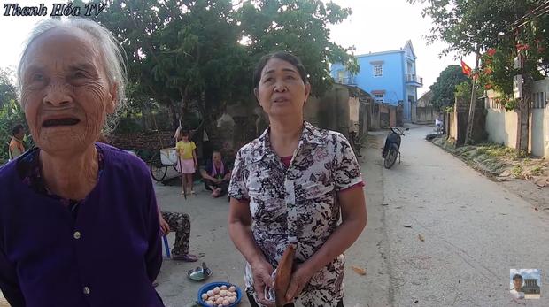 Bà hàng xóm ngóng Đỗ Thị Hà về làng từng ngày, vui quá nhầm từ Hoa Hậu Việt Nam sang... nhất thế giới - ảnh 1