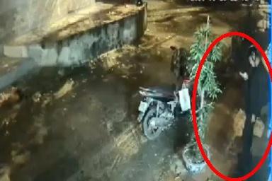 Vụ nam sinh ĐH Giao thông bị trúng đạn tử vong: Do thử súng tự chế tại quán nước? - Ảnh 2.