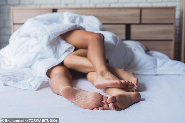 Quan hệ với 10 bạn tình trở lên có thể tăng nguy cơ ung thư: Vì sao vậy? - Ảnh 3.